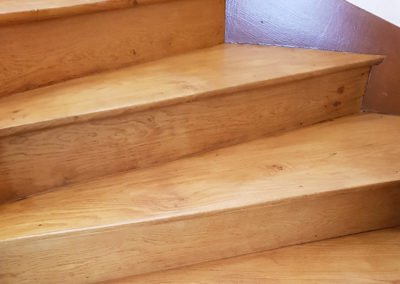 Nettoyage escalier en bois maison - PL nettoyage Services à Savignac