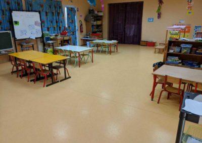 Nettoyage d'une classe à Balaguier d'Olt